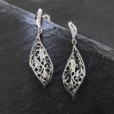 A pair of silver blossom Earrings